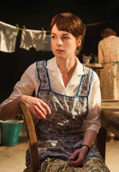 Jessica Raine as Beatie Bryant. Photo © Stephen Cummiskey.